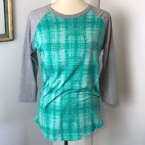 LulaRoe Randy Raglan Style Mint Green Top S